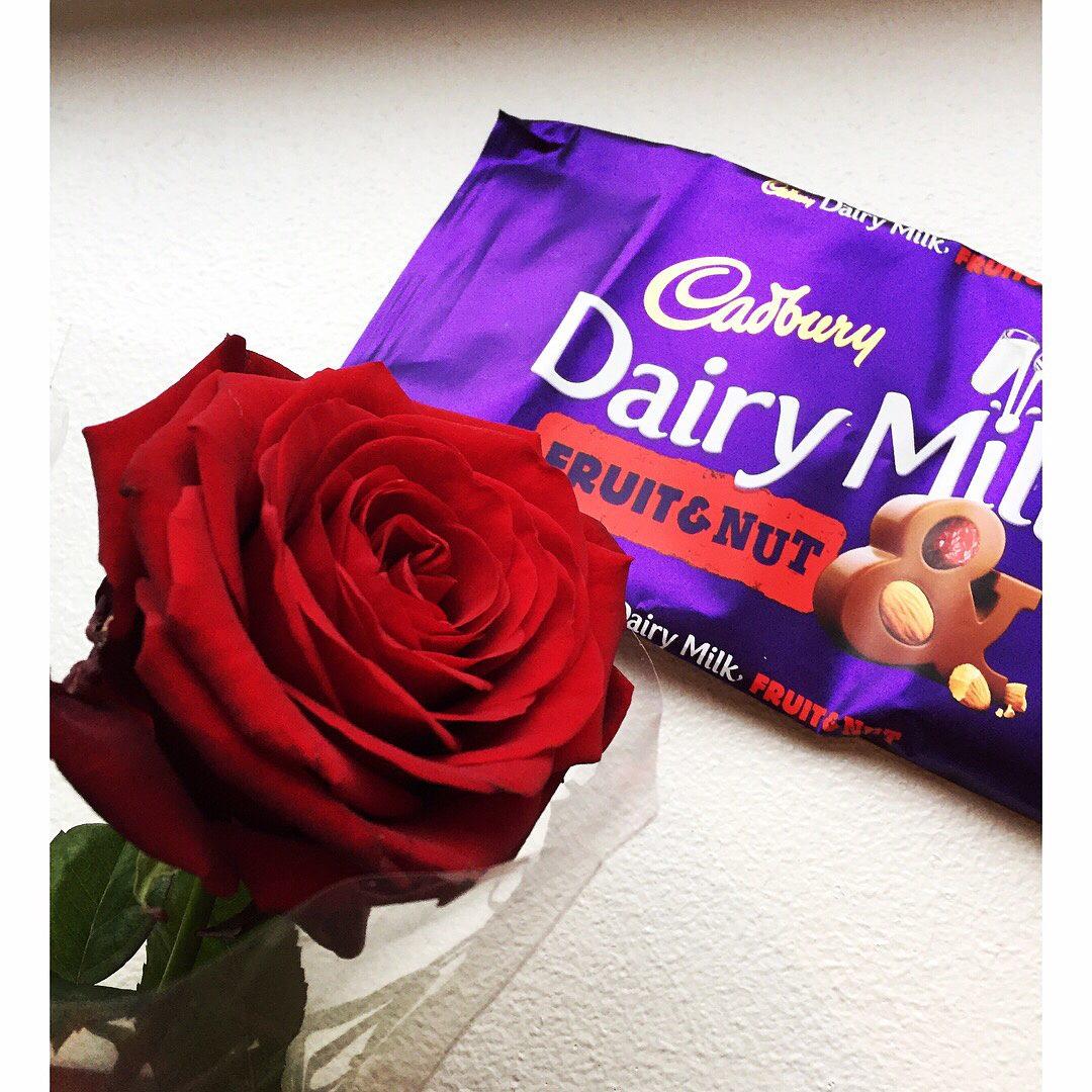 Valentine, Dina